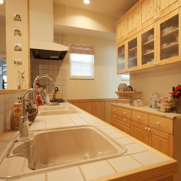 住宅のリノベーション後のキッチン内